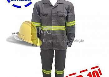 Empresa de limpeza de uniforme eletricista